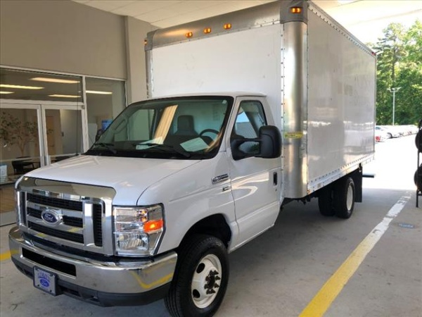 2015 Ford Econoline Commercial Cutaway in Kenly, NC