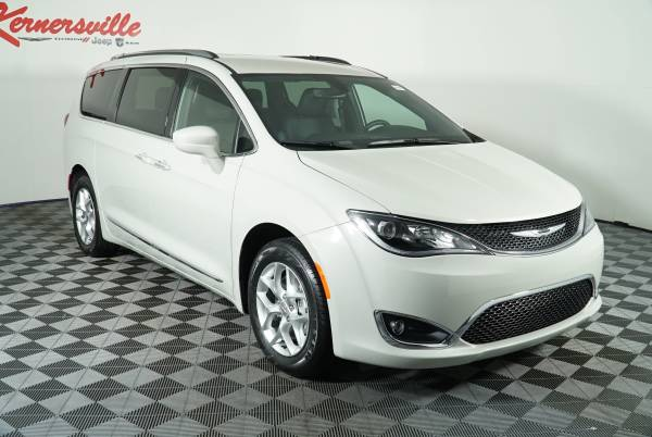 2020 Chrysler Pacifica in Kernersville, NC