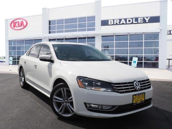 2013 Volkswagen Passat in Bradley, IL