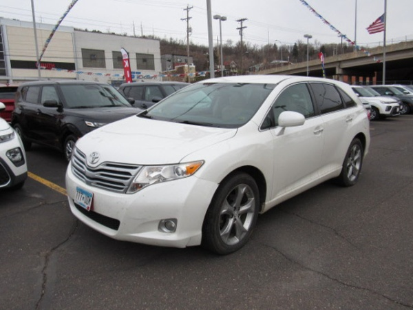 2011 Toyota Venza in Duluth, MN