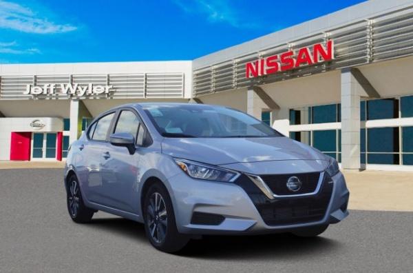 2020 Nissan Versa in Cincinnati, OH