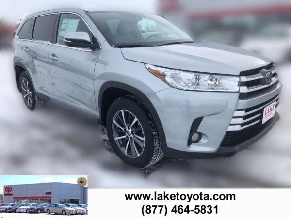 2019 Toyota Highlander in Devils Lake, ND
