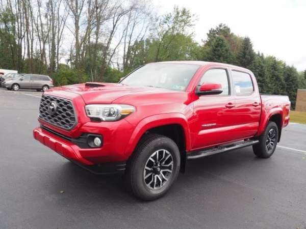 2020 Toyota Tacoma in Hermitage, PA