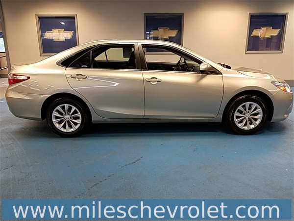2017 Toyota Camry in Decatur, IL
