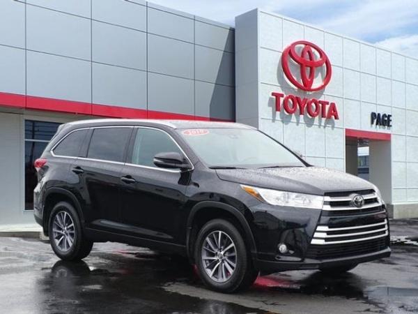 2019 Toyota Highlander in Southfield, MI