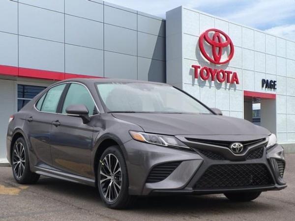 2020 Toyota Camry in Southfield, MI