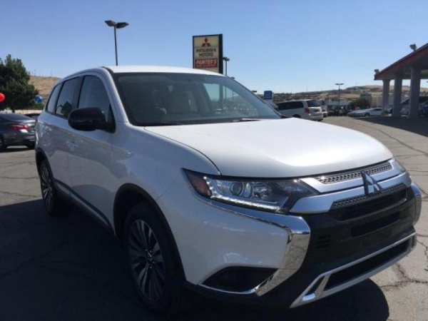 2020 Mitsubishi Outlander in Saint George, UT