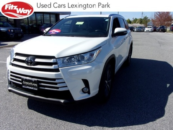 2017 Toyota Highlander in Lexington Park, MD