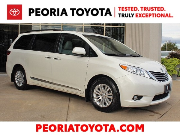 2017 Toyota Sienna in Peoria, IL
