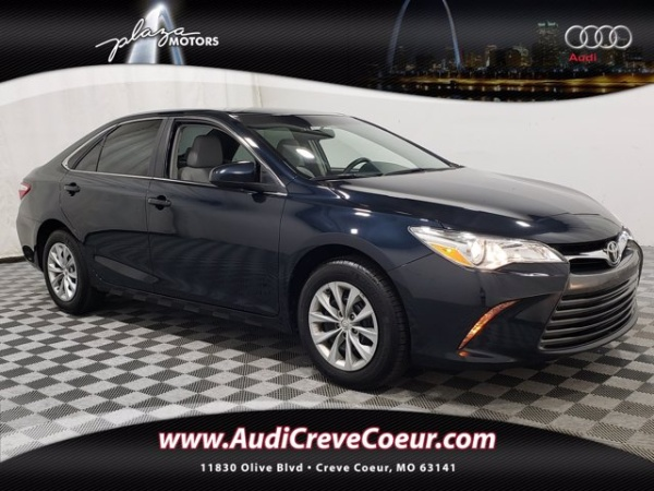2017 Toyota Camry in Creve Coeur, MO