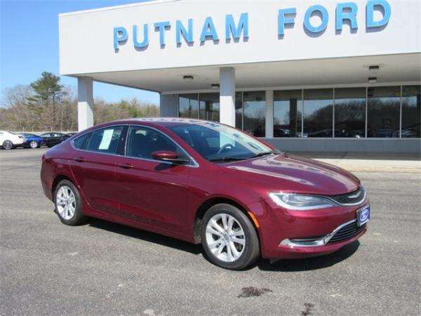 2015 Chrysler 200 in Putnam, CT