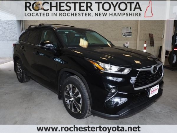 2020 Toyota Highlander in Rochester, NH