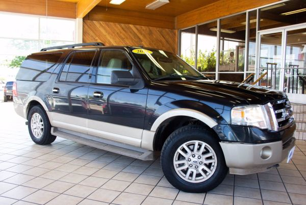 2013 Ford Expedition in Denver, CO