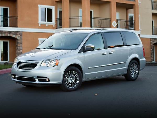 2016 Chrysler Town & Country in Foley, AL