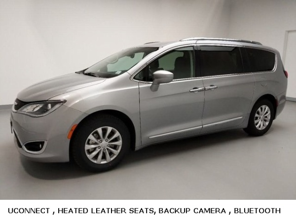 2018 Chrysler Pacifica in St. Charles, IL