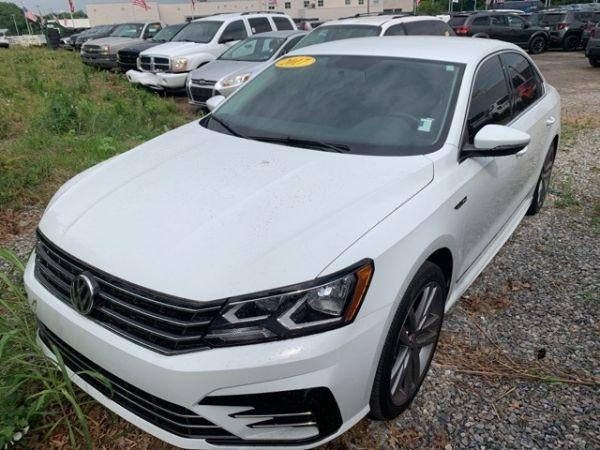2017 Volkswagen Passat in Kansas City, MO