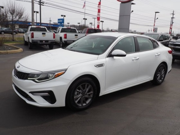2020 Kia Optima in Boardman, OH