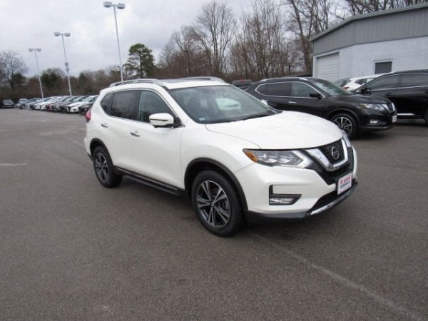 2017 Nissan Rogue in Knoxville, TN