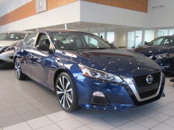 2020 Nissan Altima in Knoxville, TN