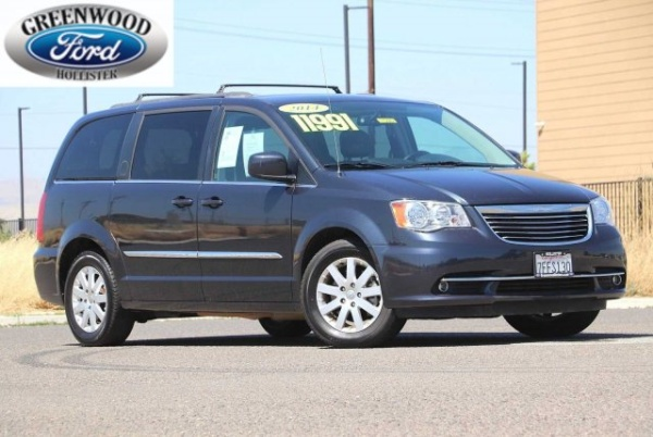 2014 Chrysler Town & Country in Hollister, CA