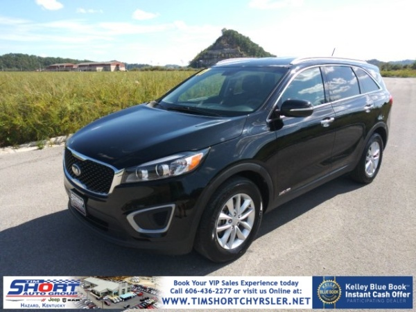 2017 Kia Sorento in Hazard, KY