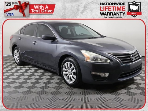 2013 Nissan Altima in Holiday, FL