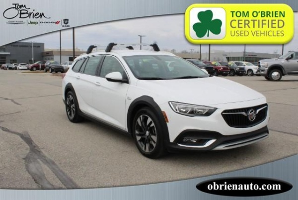 2019 Buick Regal TourX Essence