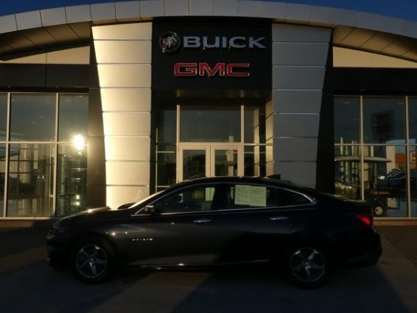 2017 Chevrolet Malibu in Vincennes, IN