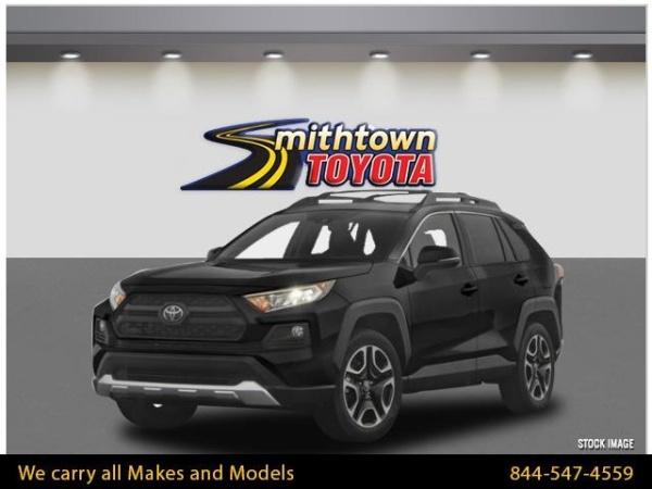 2019 Toyota RAV4 in Smithtown, NY