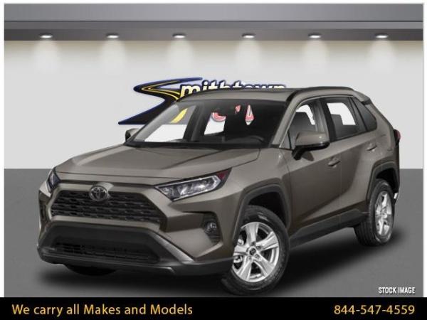 2020 Toyota RAV4 in Smithtown, NY