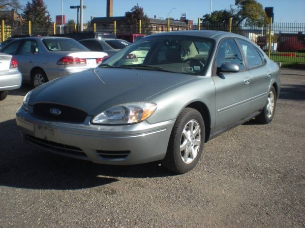 2006 Ford Taurus in Detroit, MI