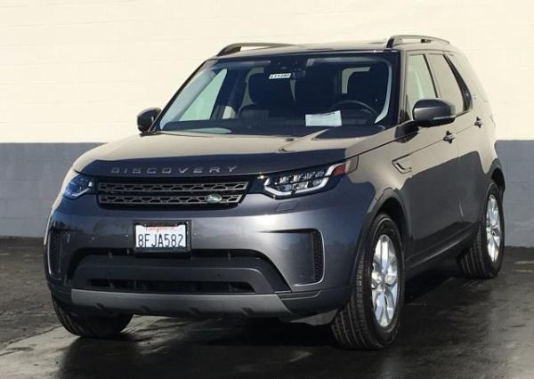 2018 Land Rover Discovery in Ventura, CA