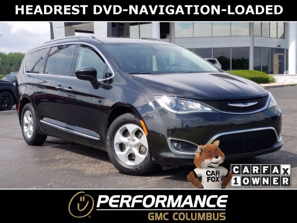 2017 Chrysler Pacifica in Carroll, OH
