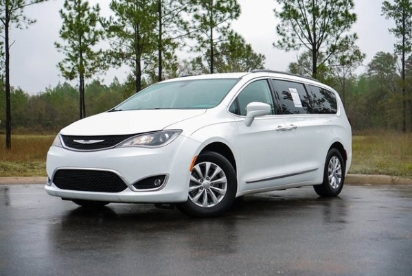 2017 Chrysler Pacifica in Leesburg, GA