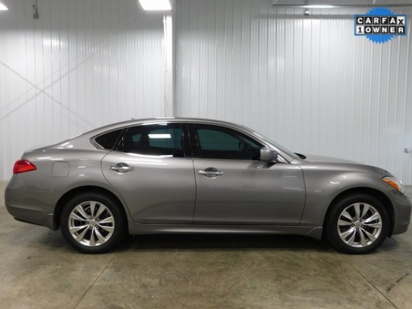 2012 INFINITI M in Middletown, OH