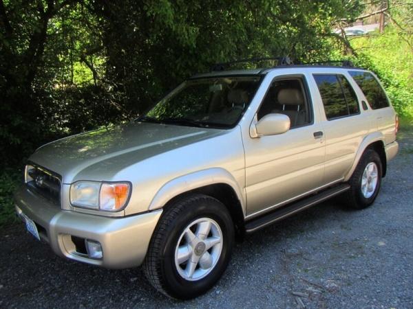 2000 Nissan Pathfinder in Shoreline, WA