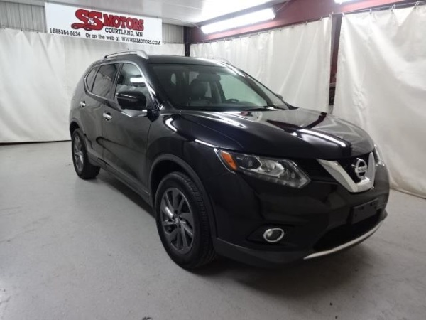 2016 Nissan Rogue in Courtland, MN