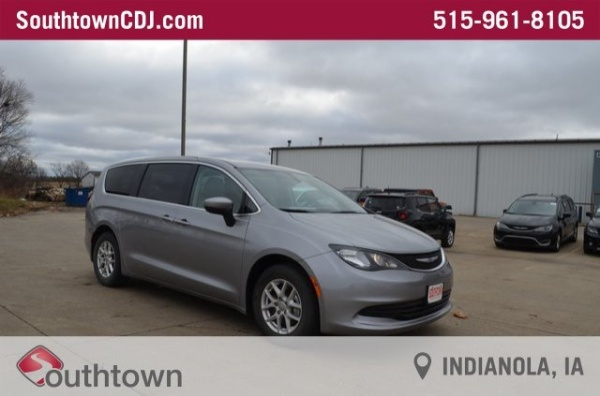 2017 Chrysler Pacifica in Indianola, IA