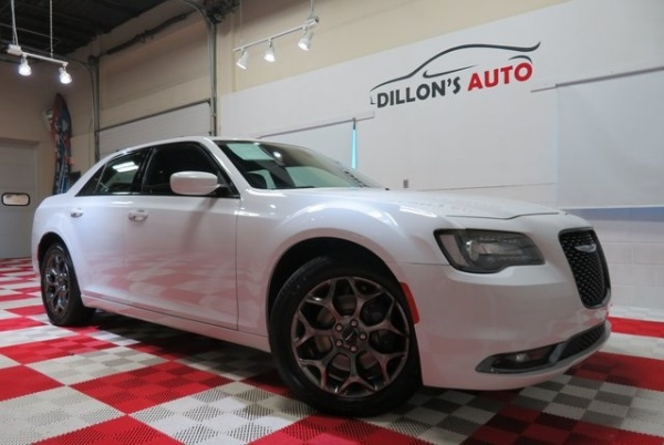 2016 Chrysler 300 in Lincoln, NE
