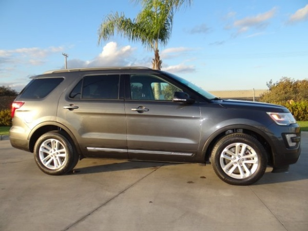 2017 Ford Explorer in Hanford, CA