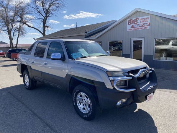 2004 Chevrolet Avalanche in Brookings, SD