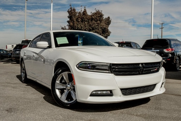 2016 Dodge Charger in Victorville, CA