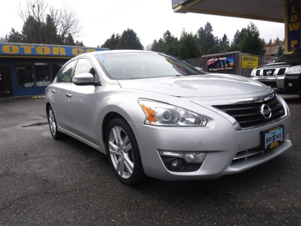 2015 Nissan Altima in Milwaukie, OR