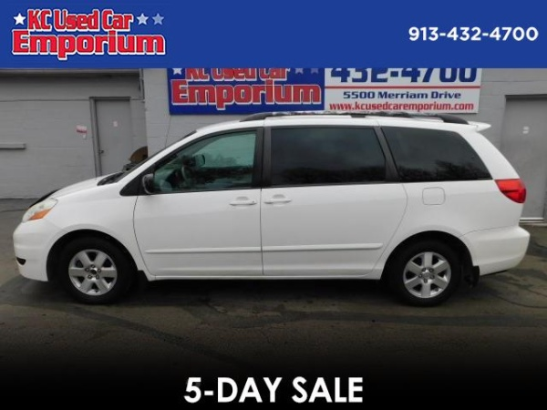 used toyota sienna for sale in kansas city mo u s news world report. Black Bedroom Furniture Sets. Home Design Ideas