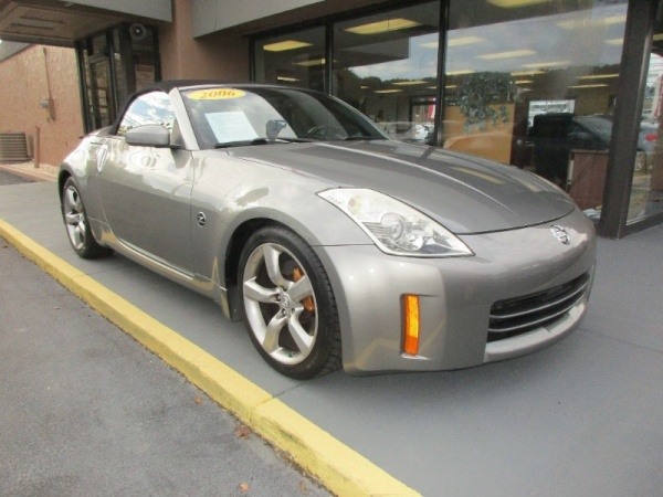 2006 Nissan 350Z in Knoxville, TN