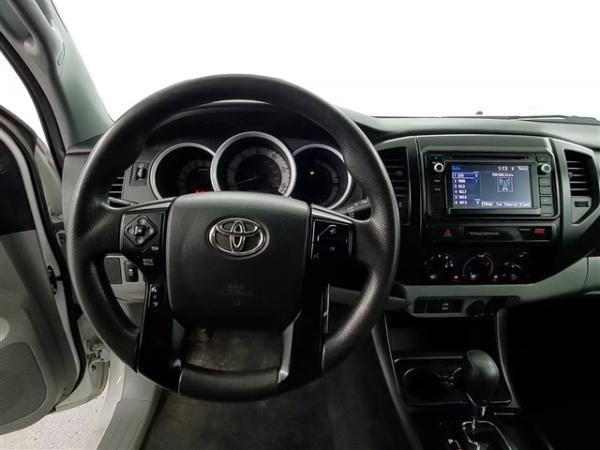 2015 Toyota Tacoma in Chicago, IL