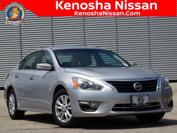 2014 Nissan Altima in Kenosha, WI