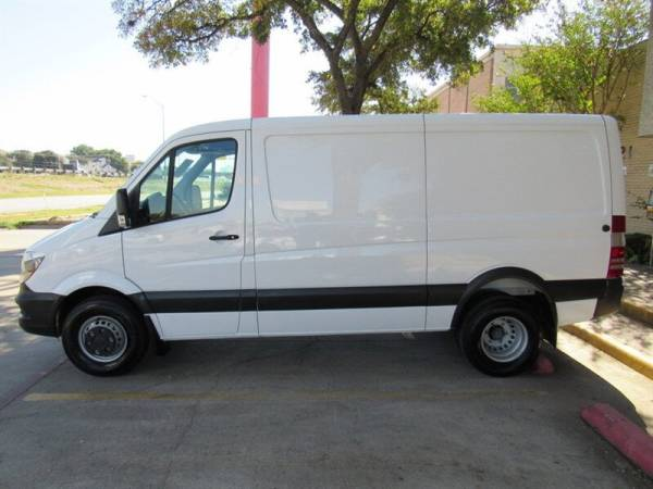2017 Freightliner Sprinter Cargo Van in Dallas, TX