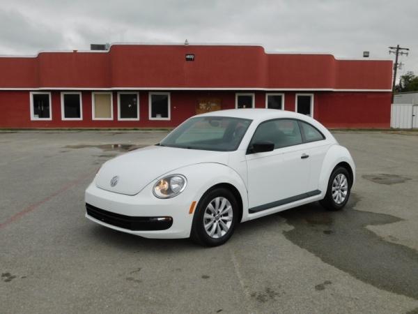 2015 Volkswagen Beetle in Pasadena, TX