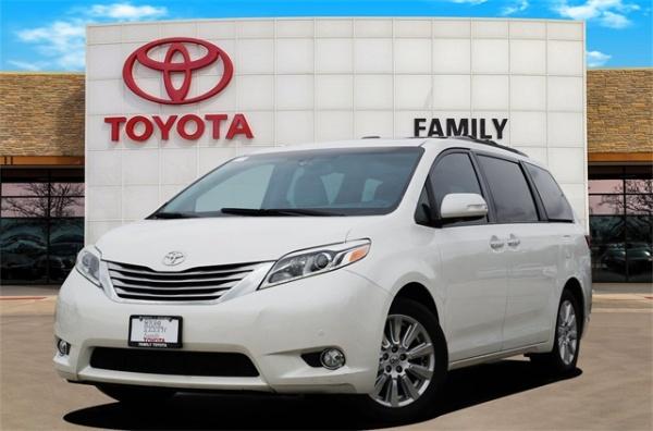 2017 Toyota Sienna in Burleson, TX